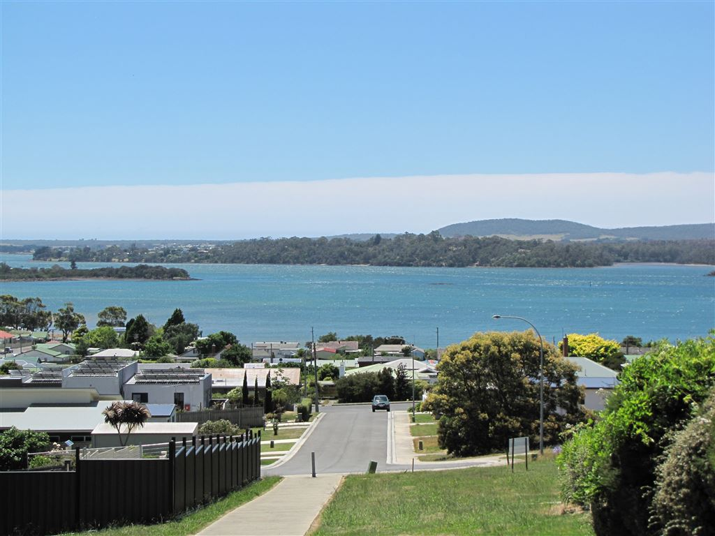 Building Allotment - Approx. 688Sqm - Great River Views