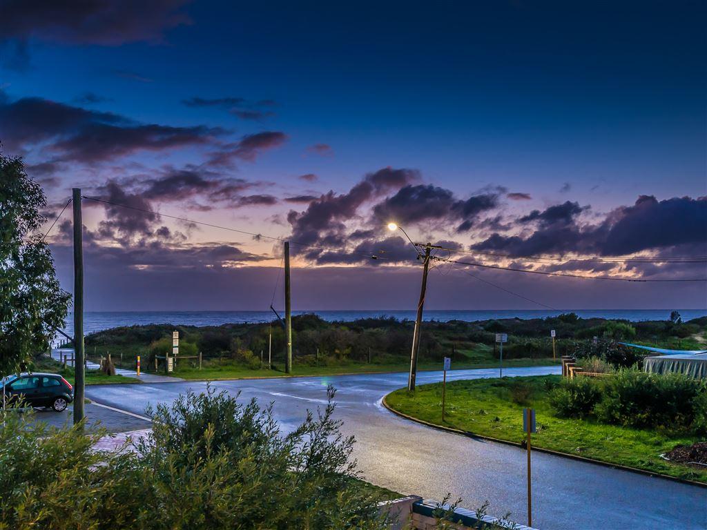 Near New Coastal Living !!