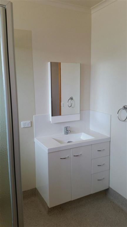 Unit 28 - Bathroom