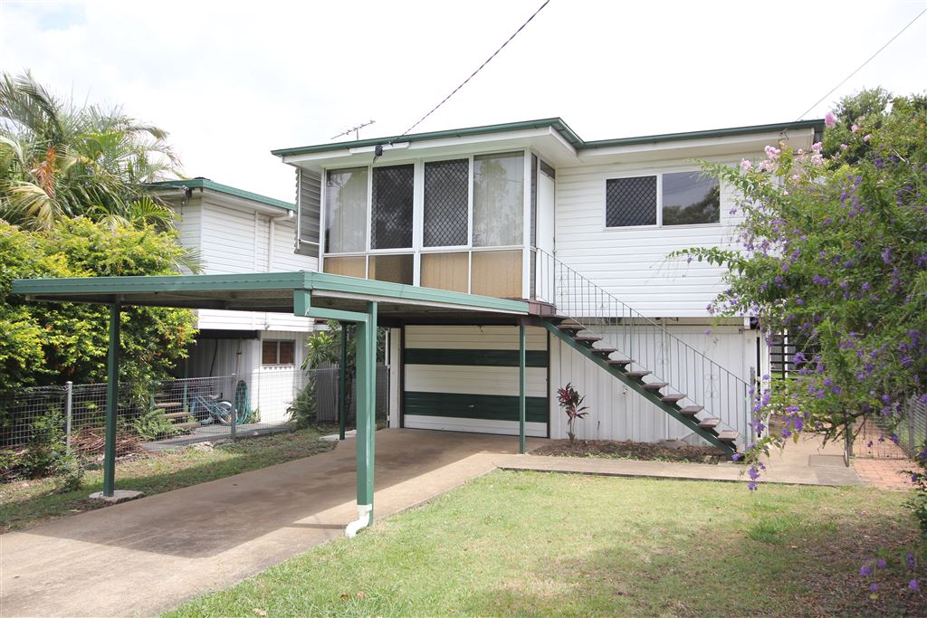 Lovely highset with spacious backyard!