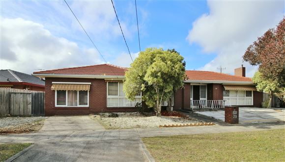Large Family Home Close to Shops and Schools!