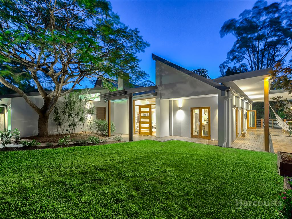 Bespoke, Architectural Residence at a Blue-Chip Address