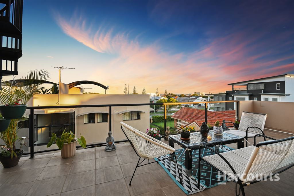 Scarborough Apartment with Private Rooftop Entertaining Area