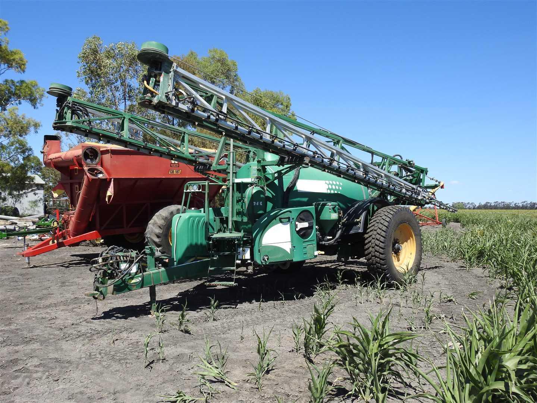 Goldacres Prairie Advance Boomspray. 5000litre tank, 36m boom, 3m wheel centres