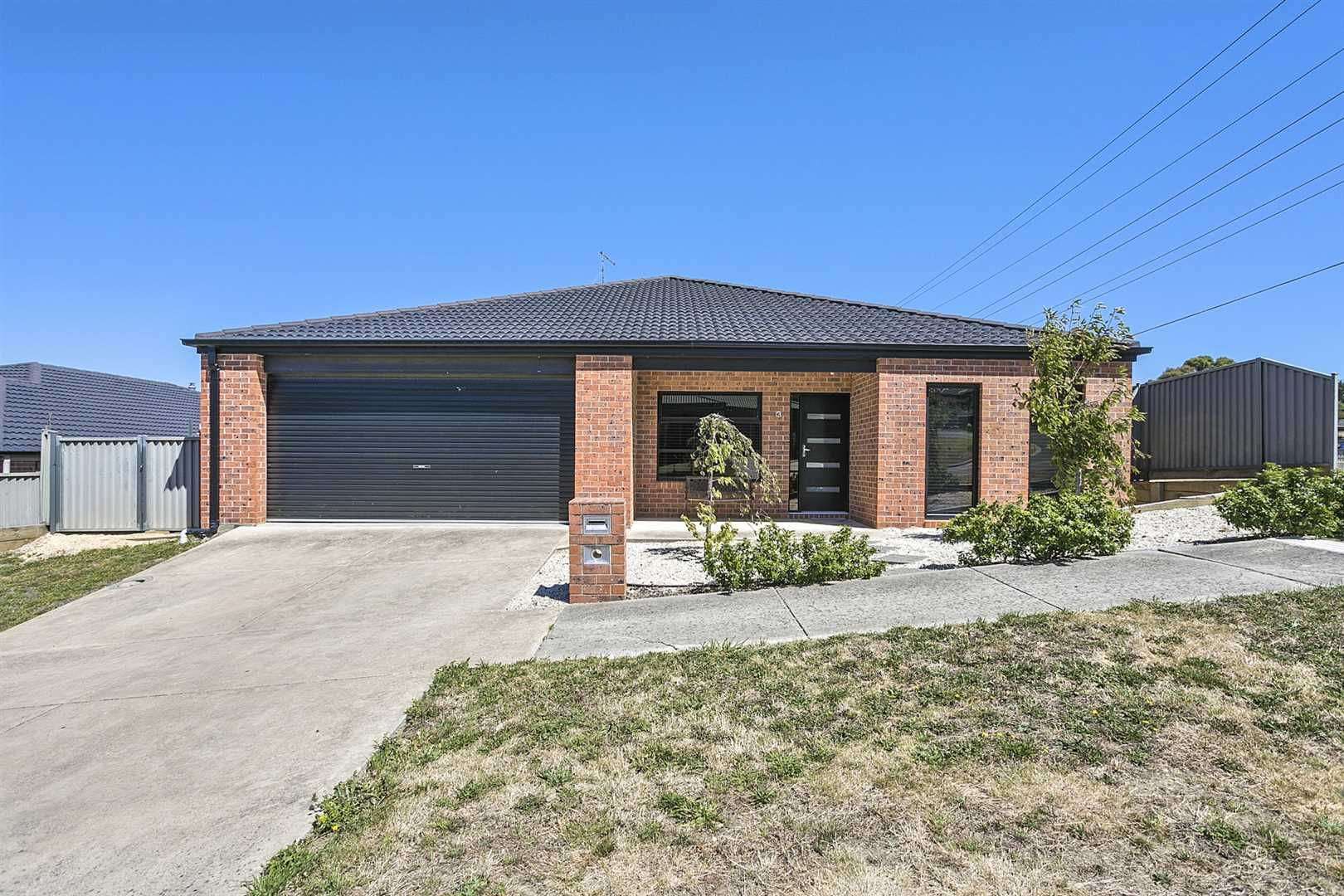Lovely Ballarat North Property - Get Your Weekends Back