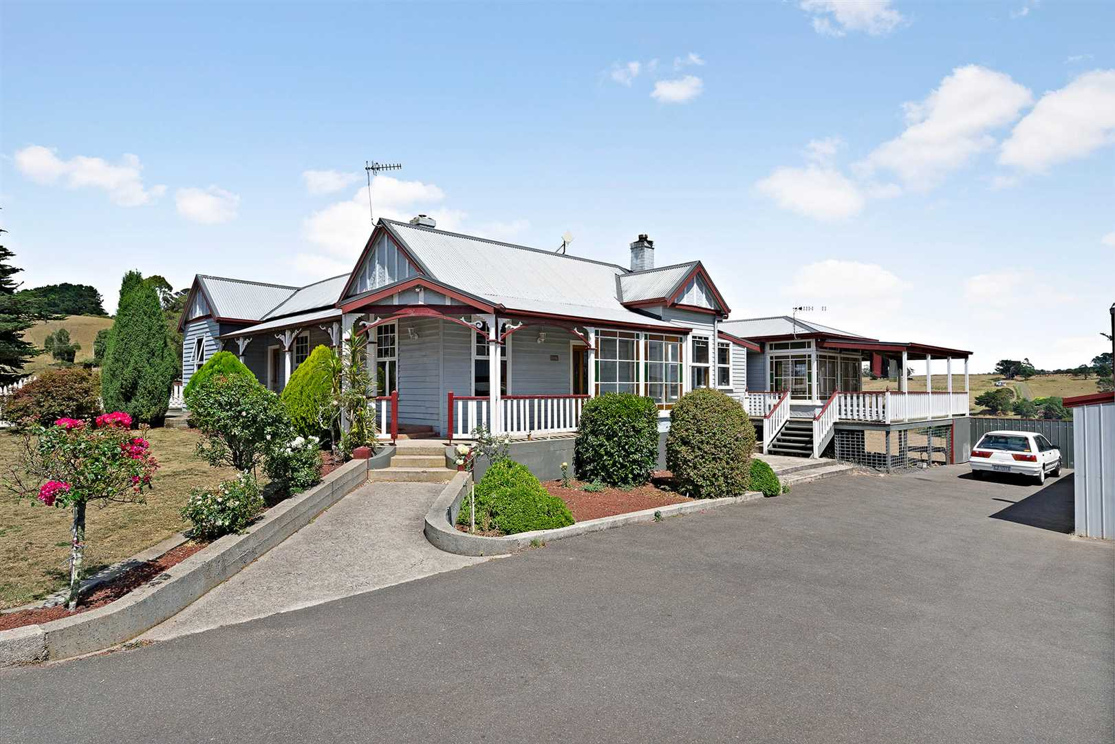 Wonderful lifestyle property/excellent business opportunity?