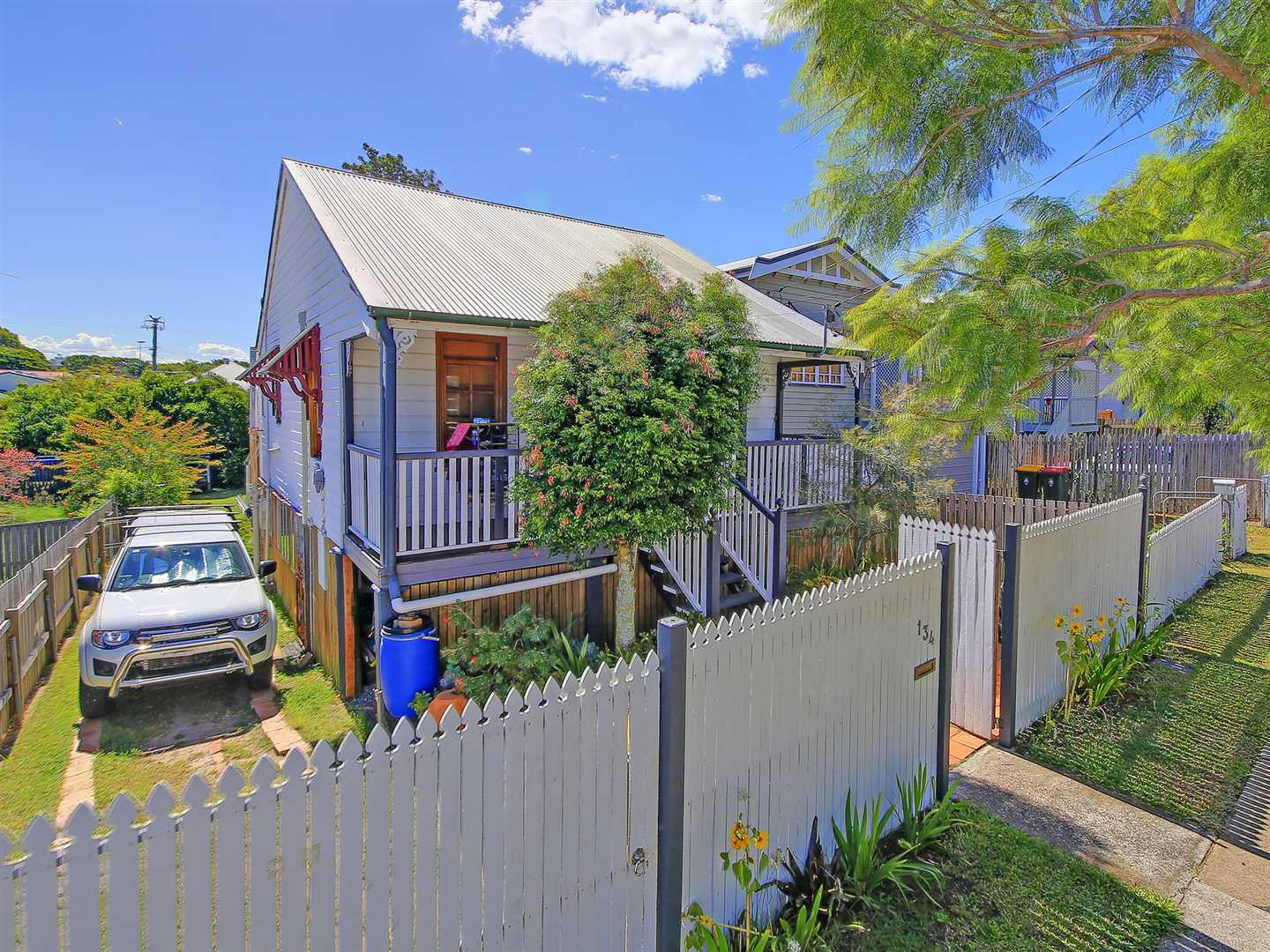 Cheap as Chips!! Charming 2 Bedroom Cottage!