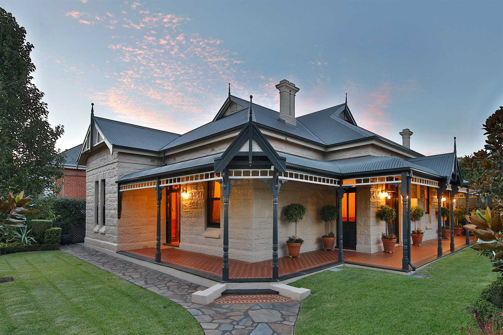 Return Verandah Villa on a 975m2 Block