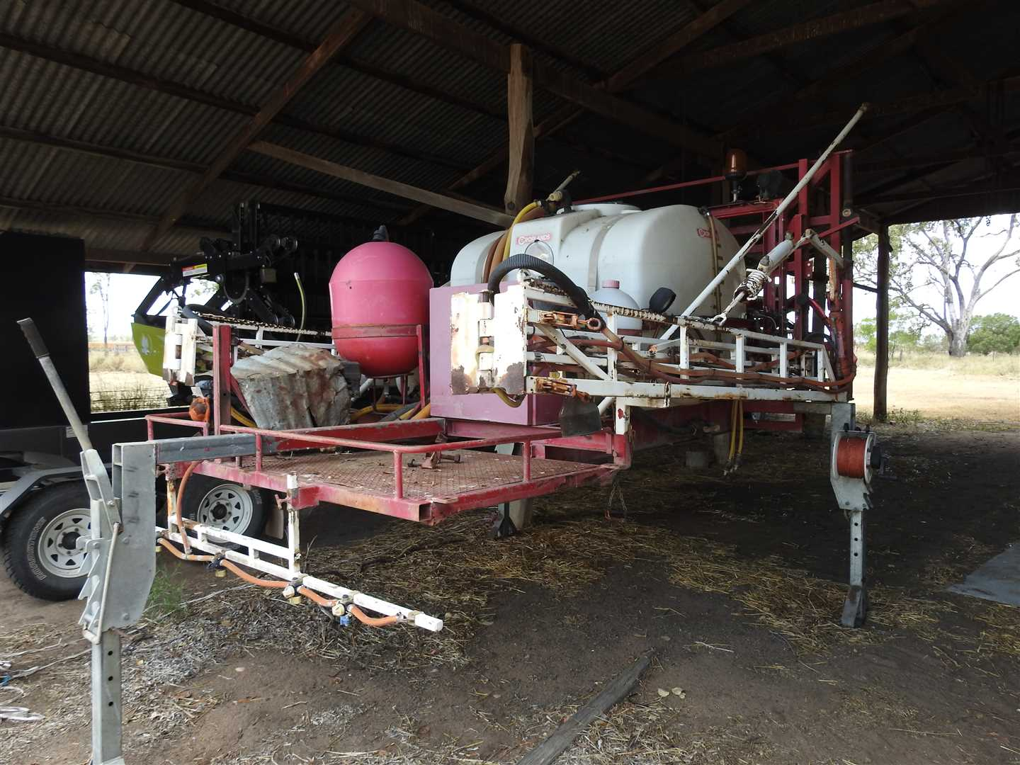 O/V 1996 Croplands Brumby ute mounted sparyer. 18m boom, 1500l tank, all in good order