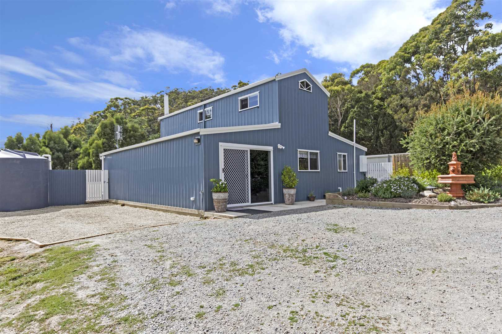 Immaculately presented home on 14.93ha