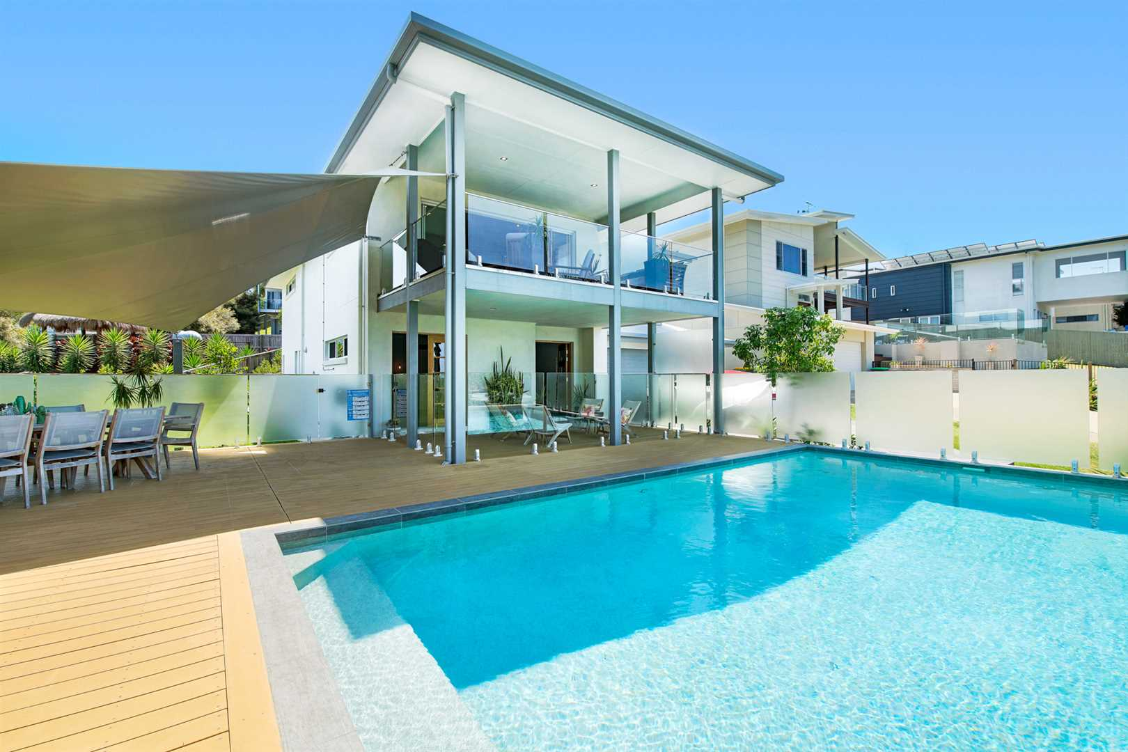 Spacious & Stylish Modern Home With Spectacular Ocean Views