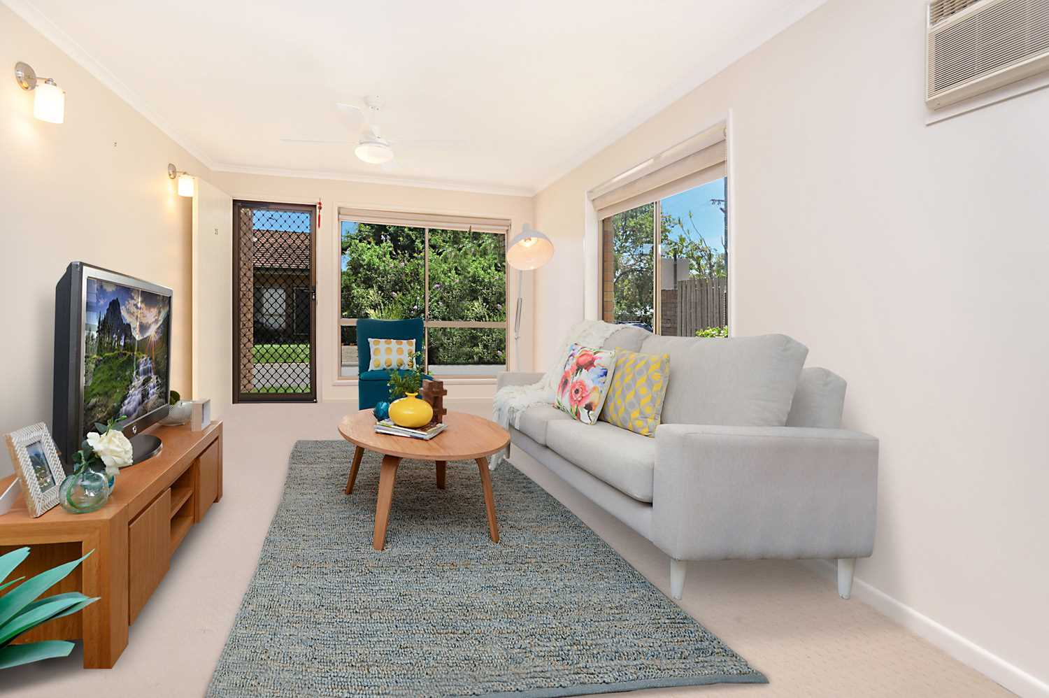 Spacious Entertainer...Putting the HOUSE in Townhouse