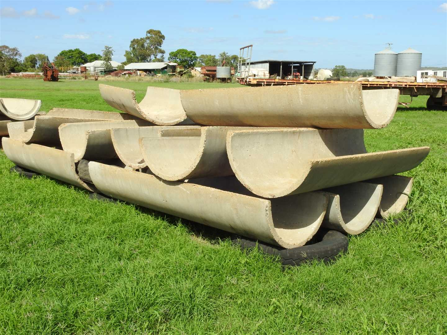 14 xhalf concrete piping-feed troughs 750mmx2400mm