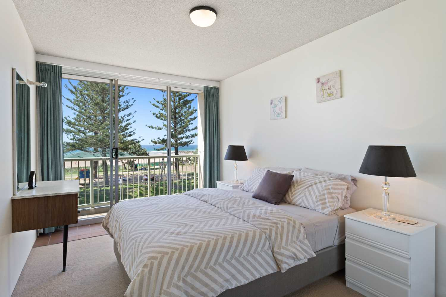 Rainbow Bay Beachfront - now is the time!