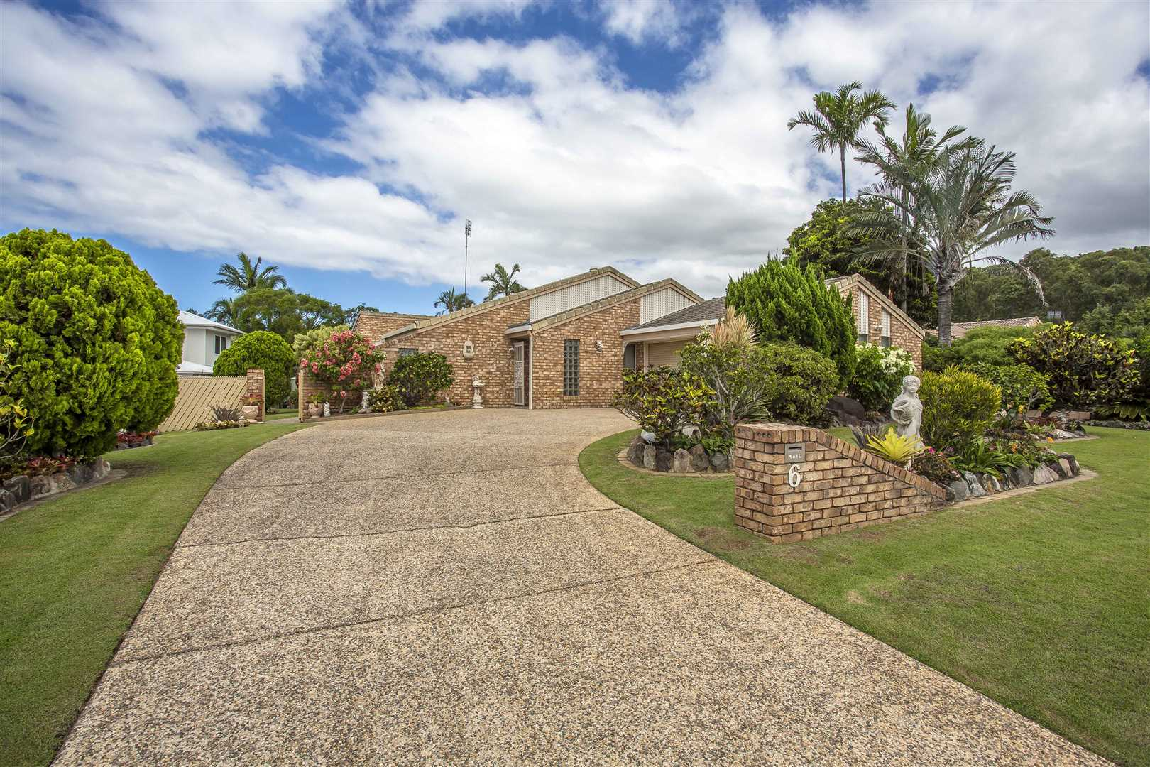 Picturesque family home on Woodlands!