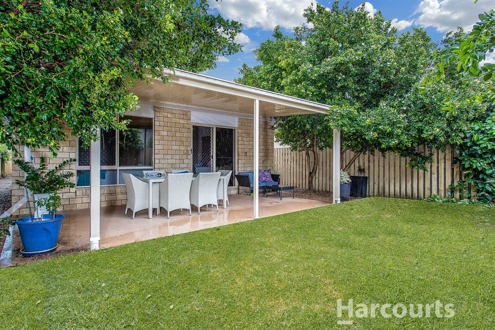 4 Bedroom Home in a Lovely Location!
