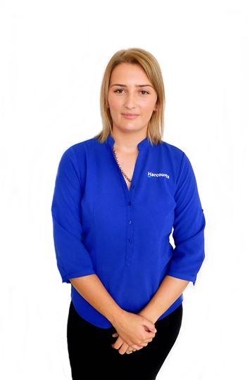 Larissa Sellin