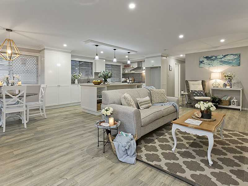 Flawlessly Executed Hamptons Inspired Living