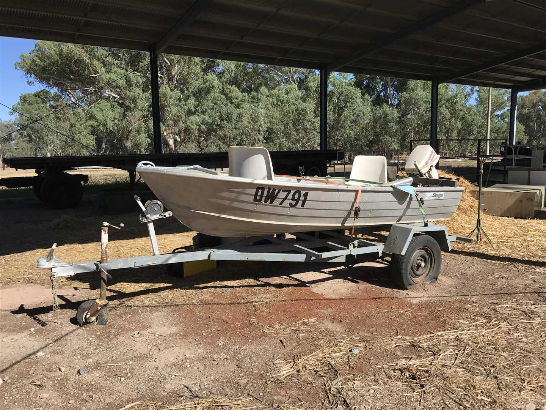 Aluminum Boat with Johnson Motor