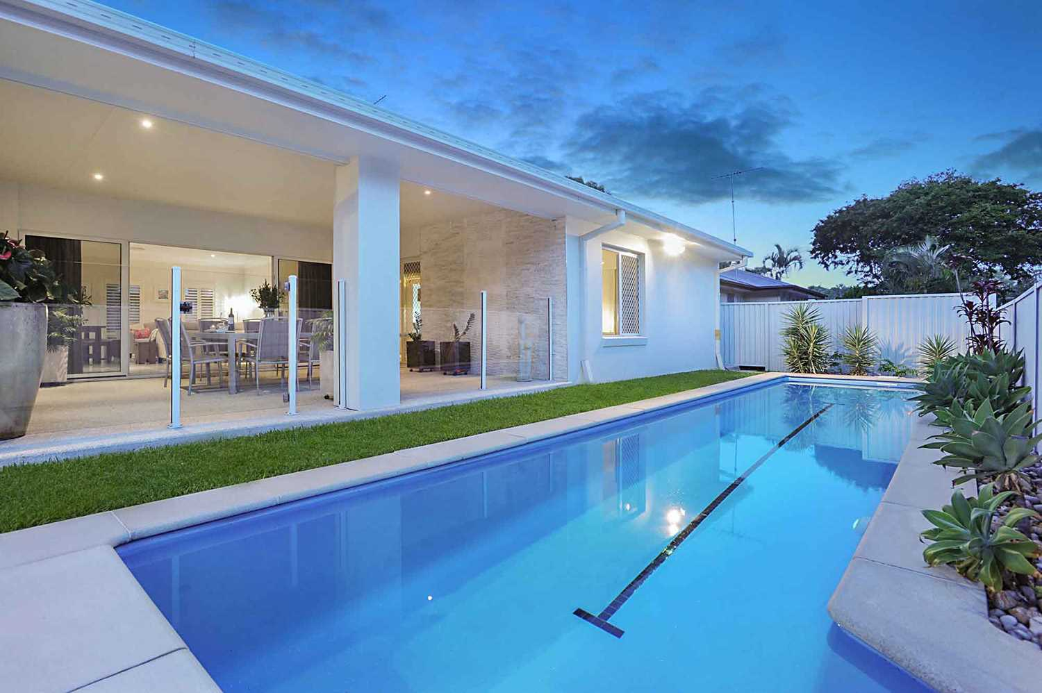 Top Contender for Mitchelton's Best Low-Set Home!