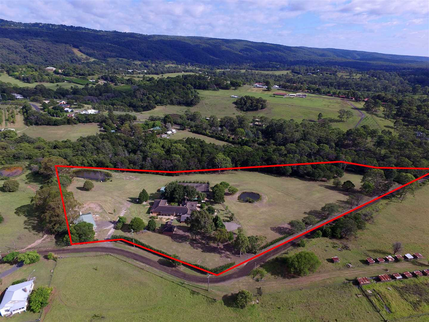 'Canoona' - Single level home on 10 glorious acres