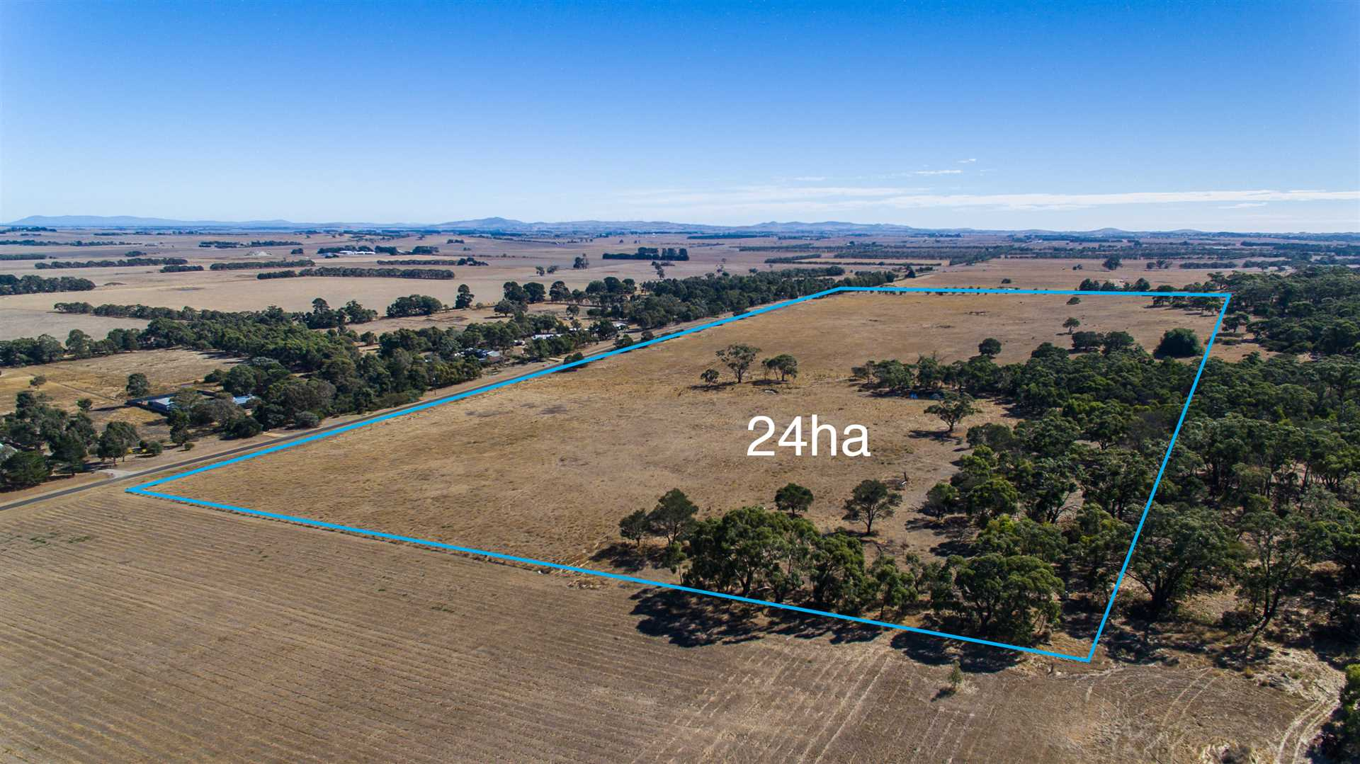 60 Acres On The Cusp of Ballarat With Building Approval