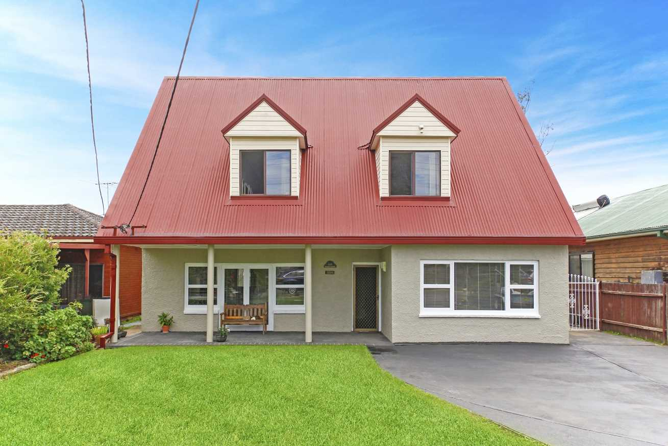 Large Family Home Plus Granny Flat - Must Be Sold!