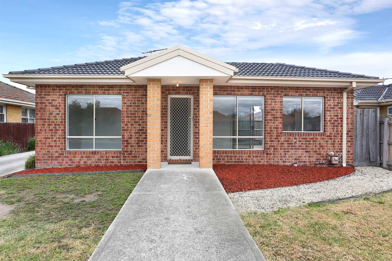 Street Frontage In A Convenient Location!