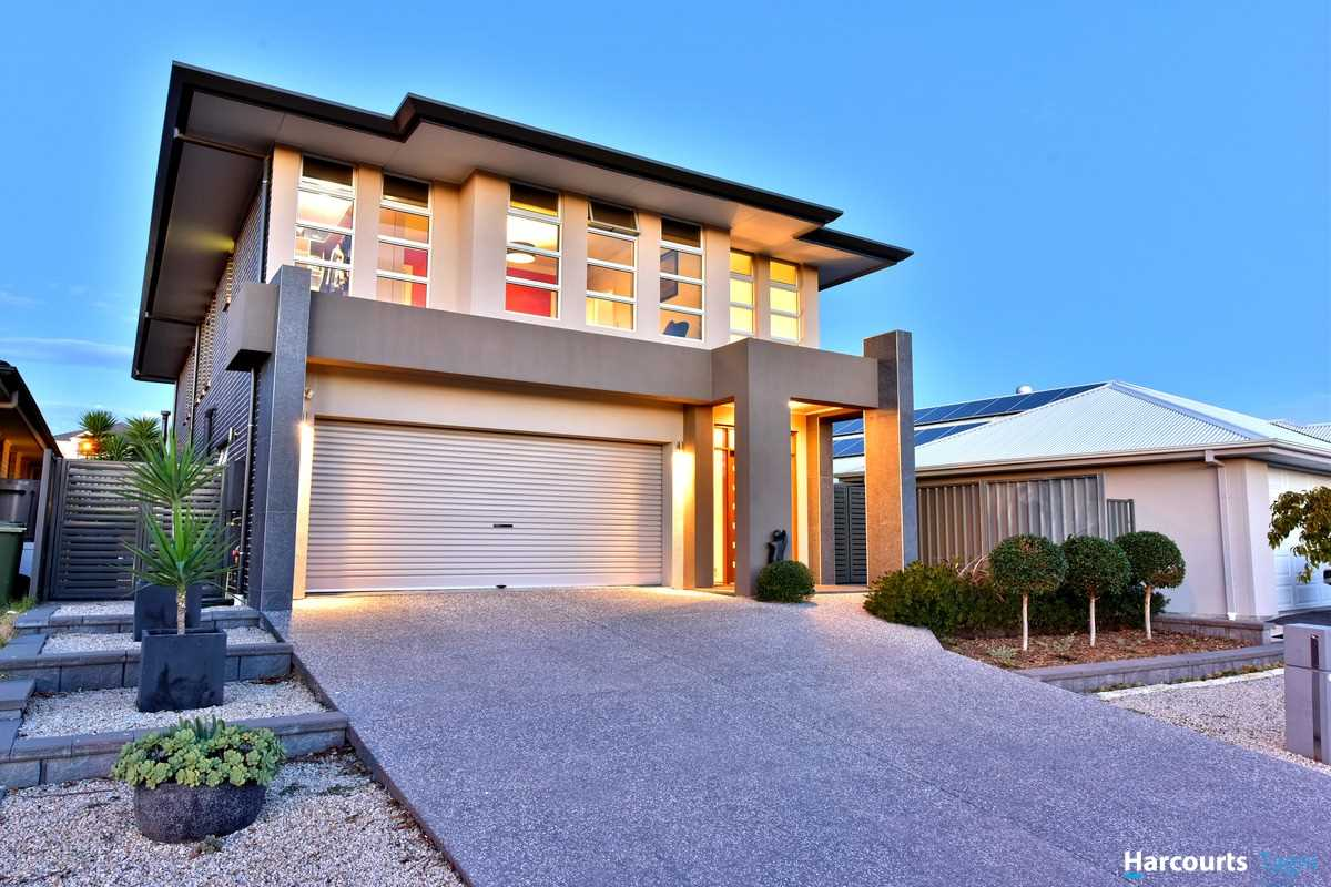 A Distinctively Modern Home for the Ultimate Entertainer!