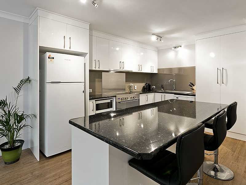 Fully renovated unit with huge courtyard