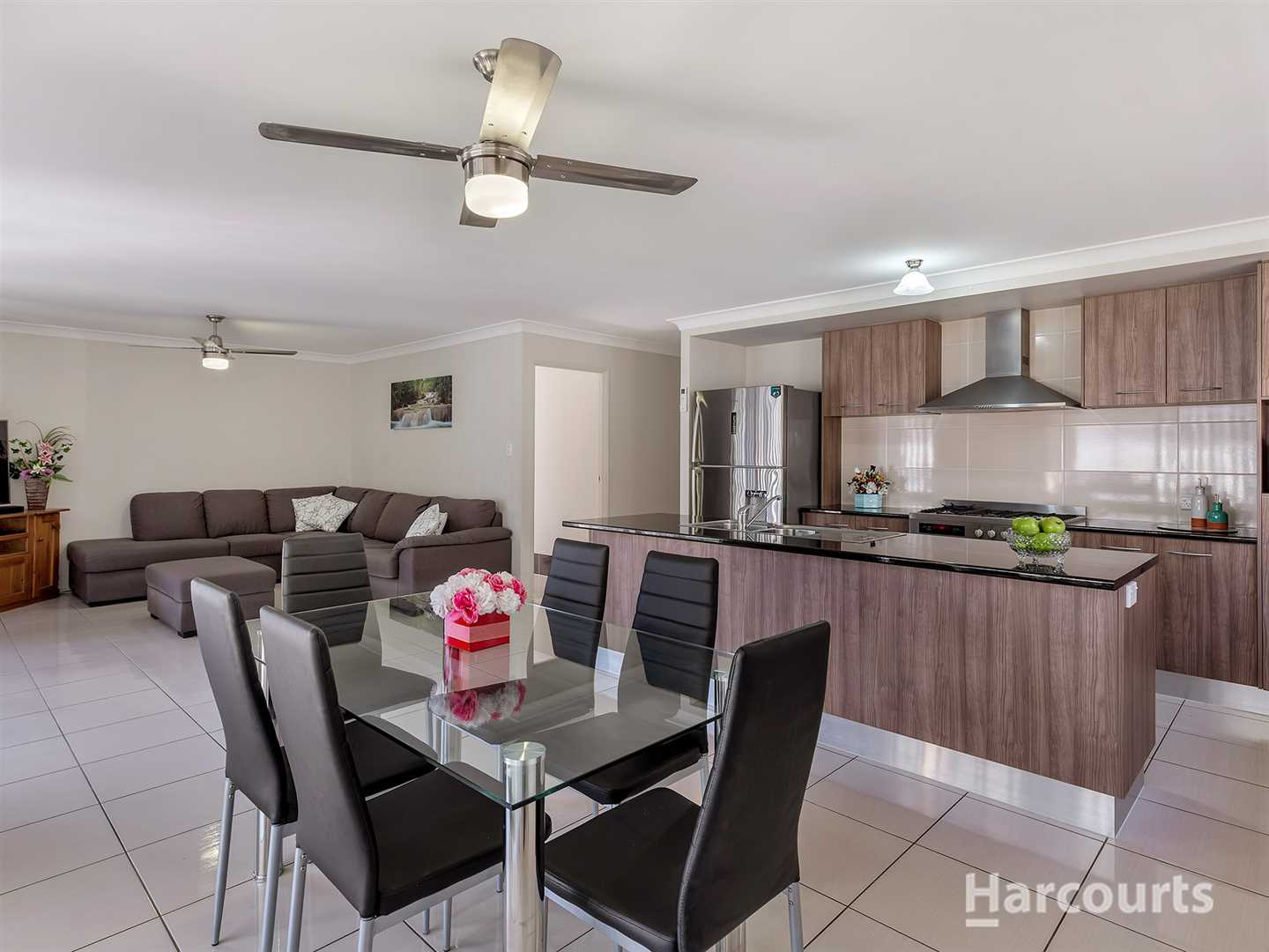 Gorgeous family home in top location!