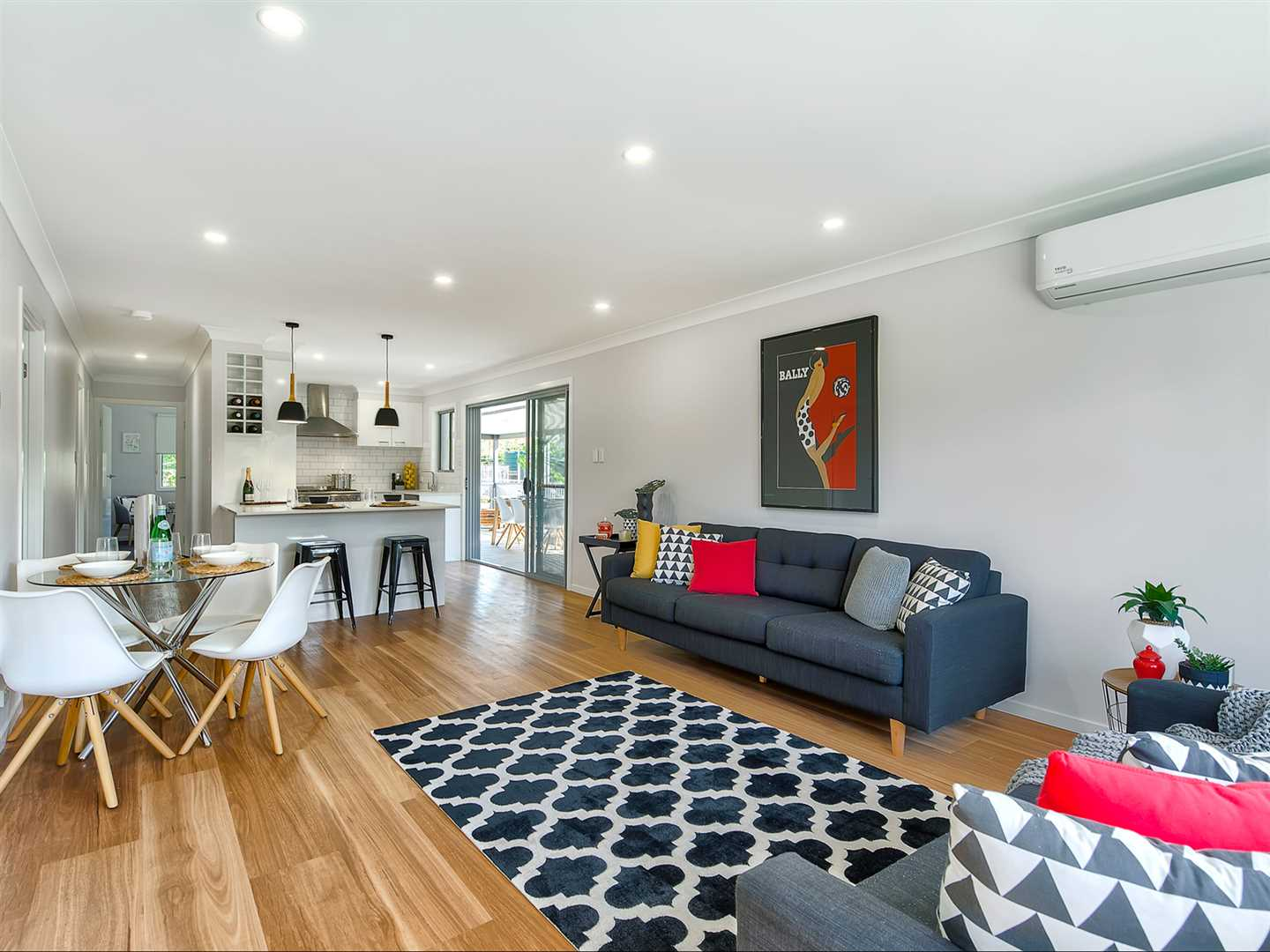 Fully renovated low-set with high-end finishes