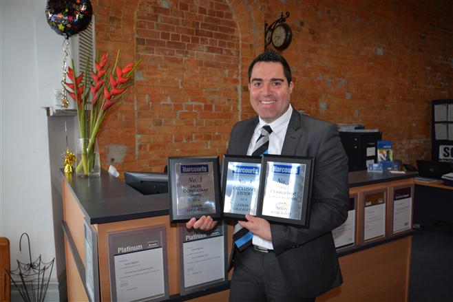 Award winning Jason Gigliotti