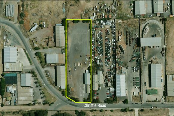 Brilliant Outer South Location - Land Area of over 8000 sqm!