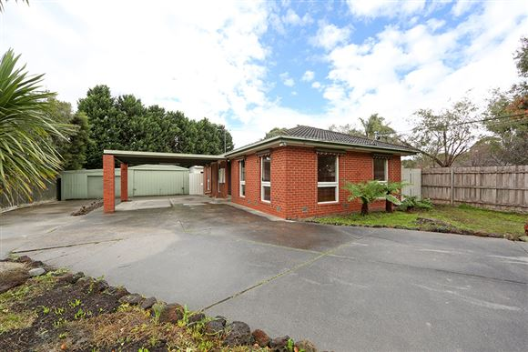 Well Presented Family Home, Court Location