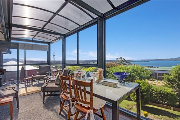 Well-Appointed Residence with Outstanding Views!