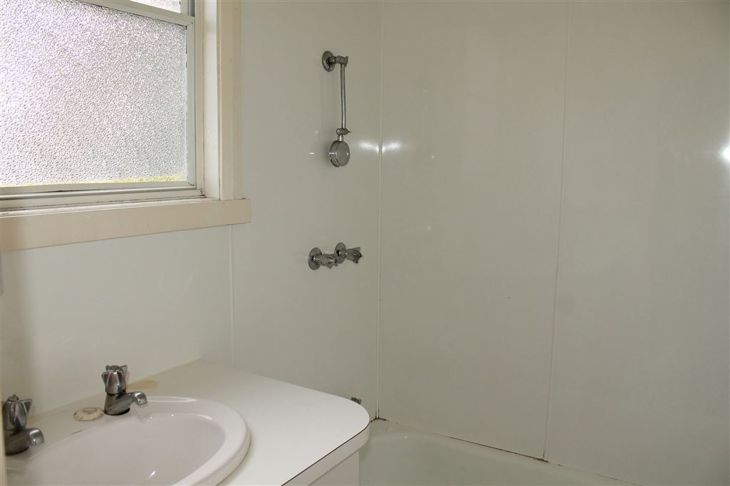 Unit 4A Bathroom