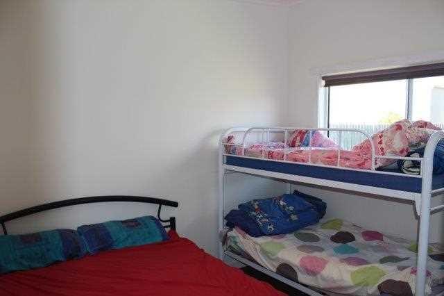 bedroom rear unit
