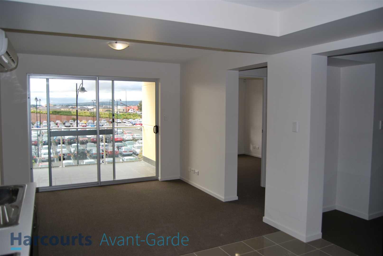 Second Floor Apartment in amazing Location!