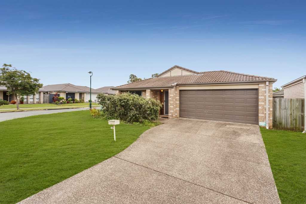 Fitzgibbon - Corner Position with Large Open Plan Living