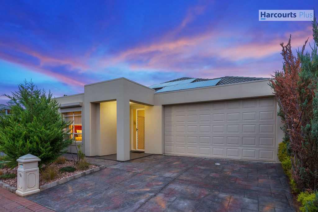 Quality home in Grange Palm Estate!