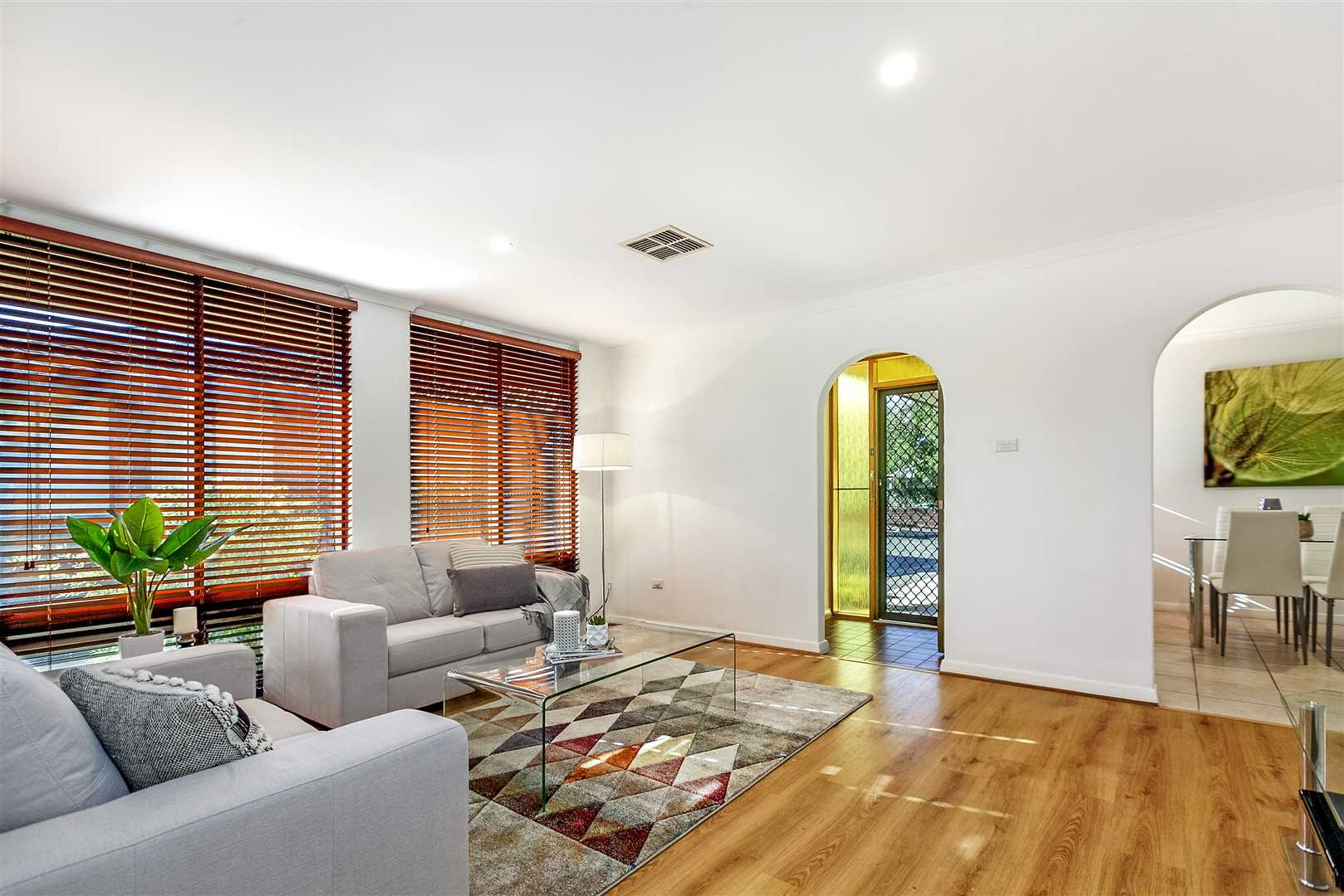 Beautiful Home Unit in Beautiful Suburb