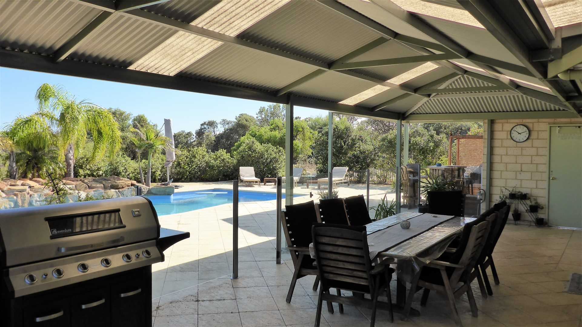 alfresco and glass security pool fence