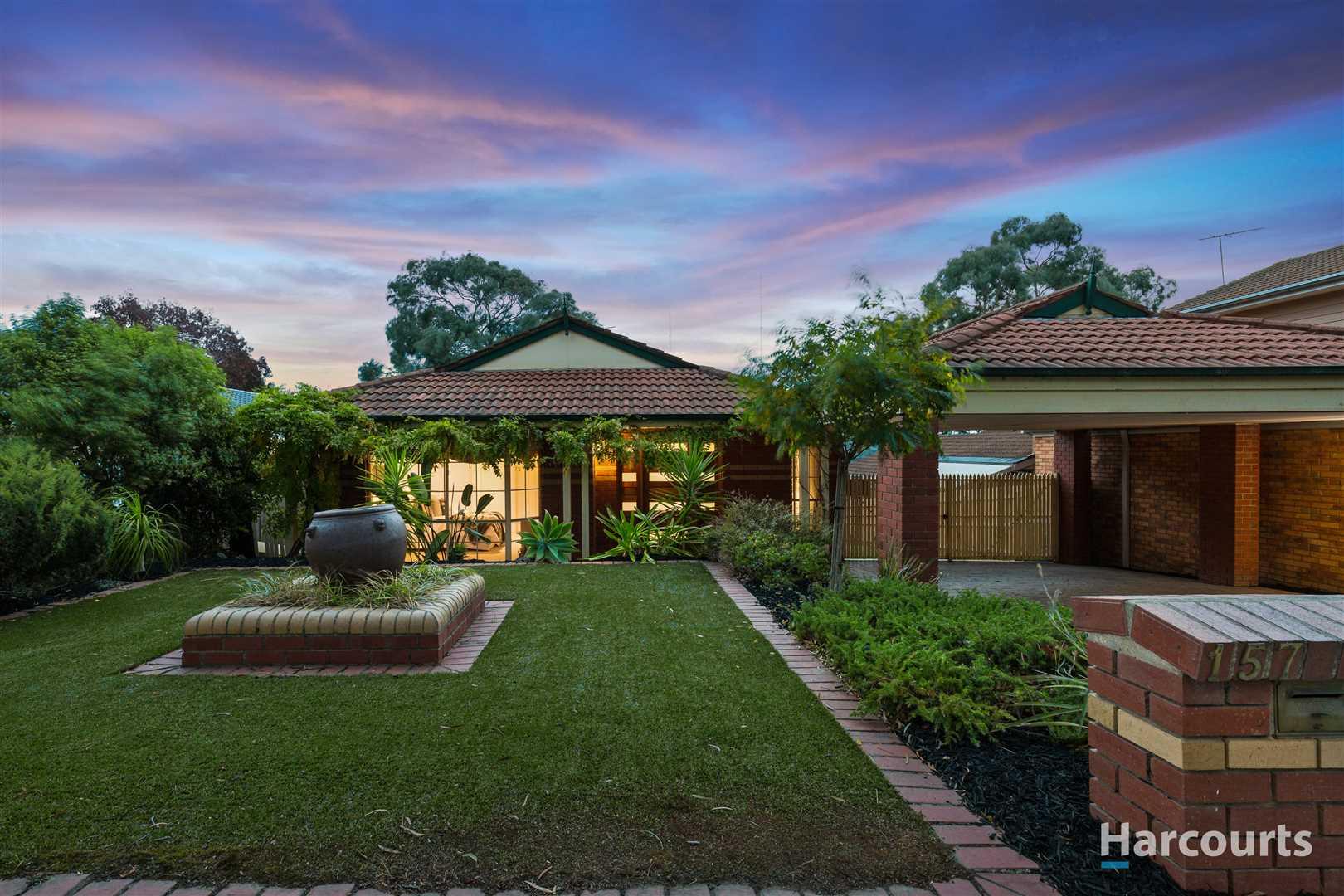 Modern spacious Family Home with panoramic views