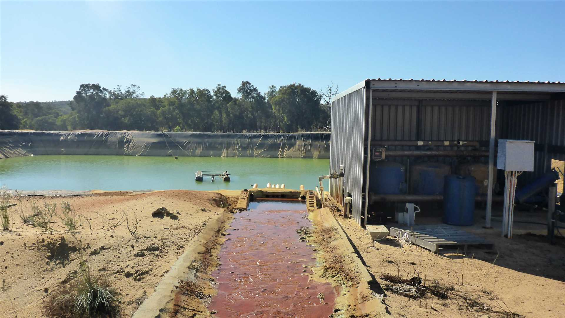 irrigation dam and filter / pump shed