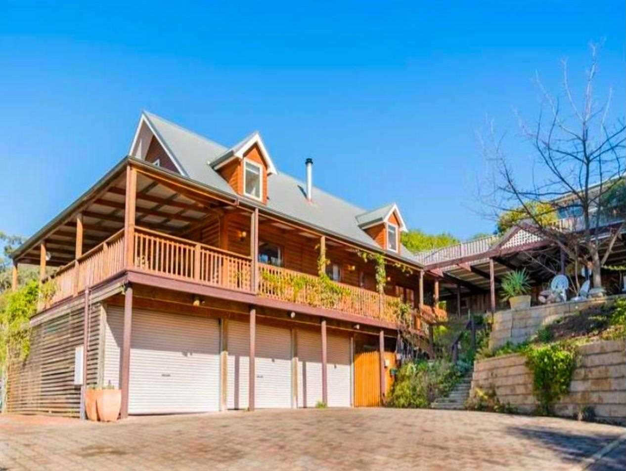 Family Home - Leafy Serenity - Over ½ Acre