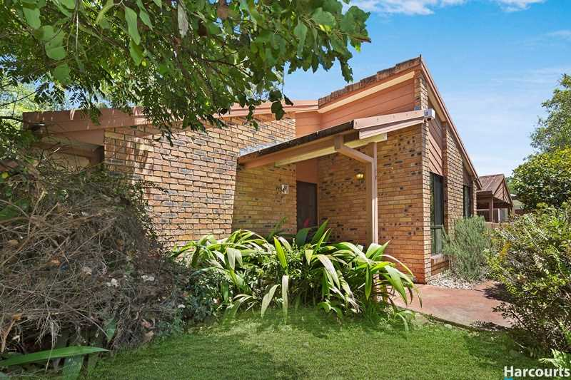 Spacious Lowset Living Opposite Your Parkland Paradise
