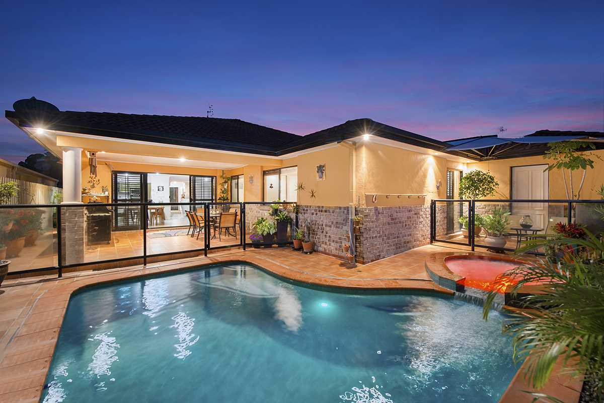 Serene Large Family Home - Do not miss this!