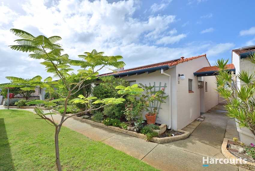 New Listing - Retirement Living in Fantastic Area