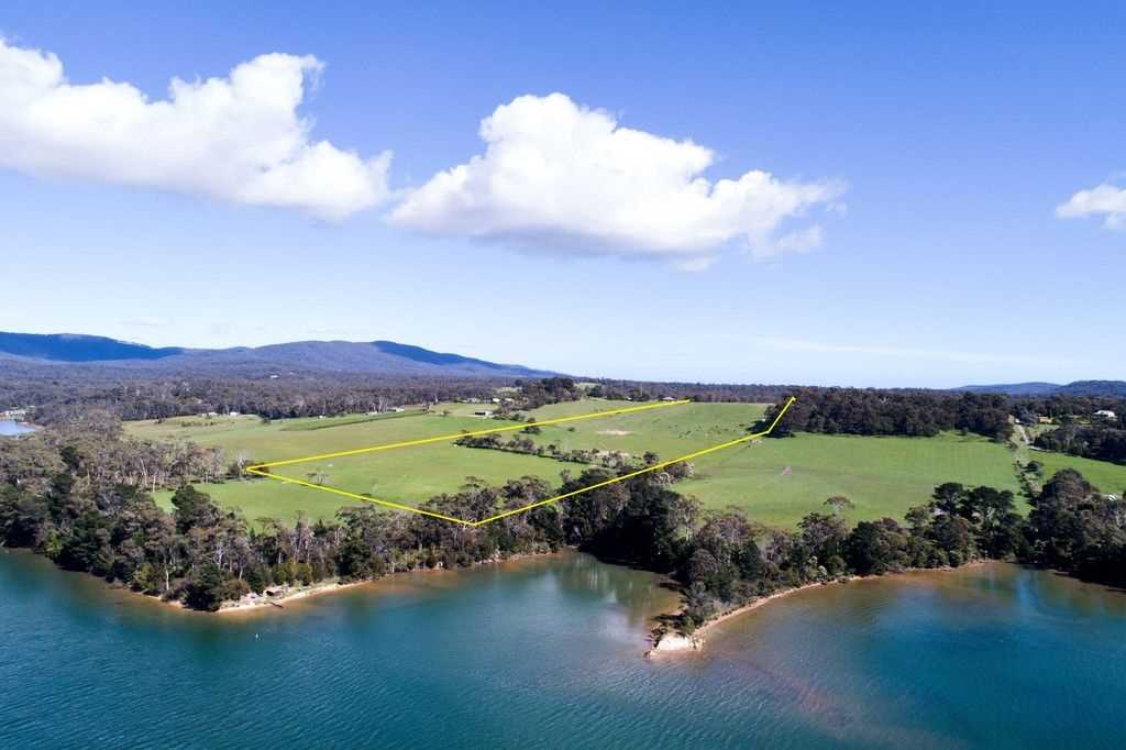 35 Acres with Panoramic Views and River Access!